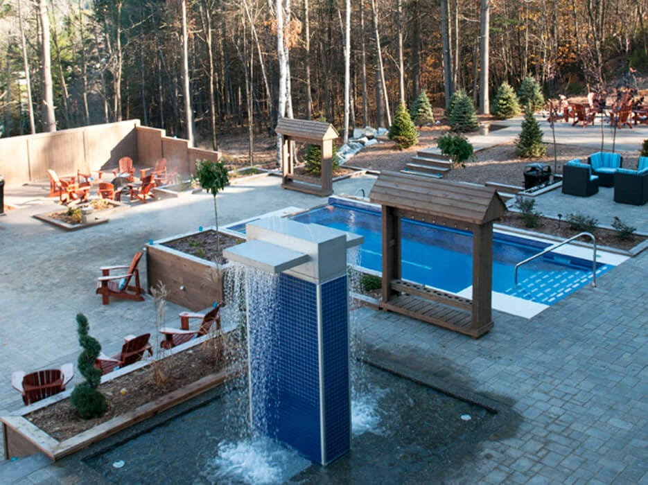 Canadian pool and spa awards 2012 prix argent spa public for Piscines soucy