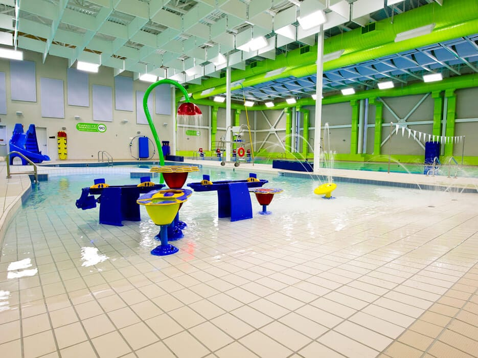 Canadian pool and spa awards 2011 prix or jeux d 39 eau for Piscines soucy