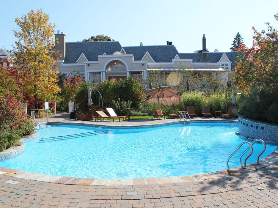 Canadian pool and spa awards 2014 gold award renovation for Piscines soucy